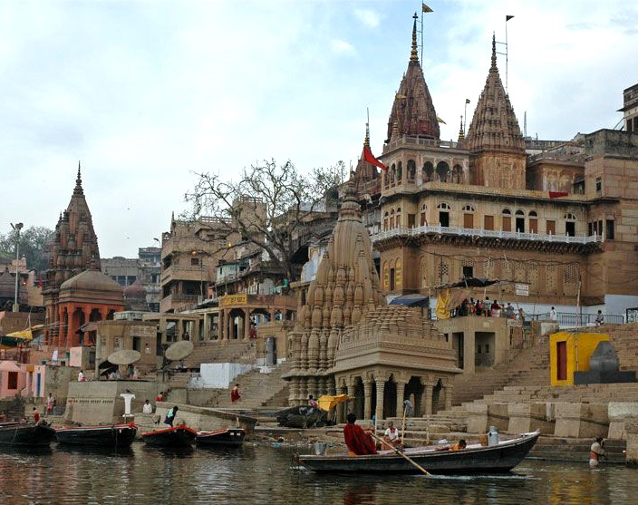 Templos con Ganges Benares