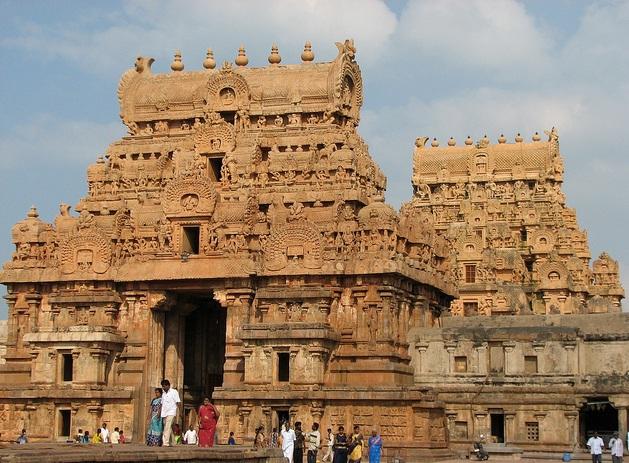 Gopuram Brihadeeshwara templo