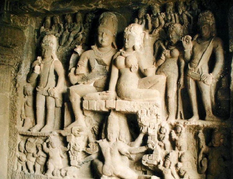 Shiva y Parvati en Ellora Cueva