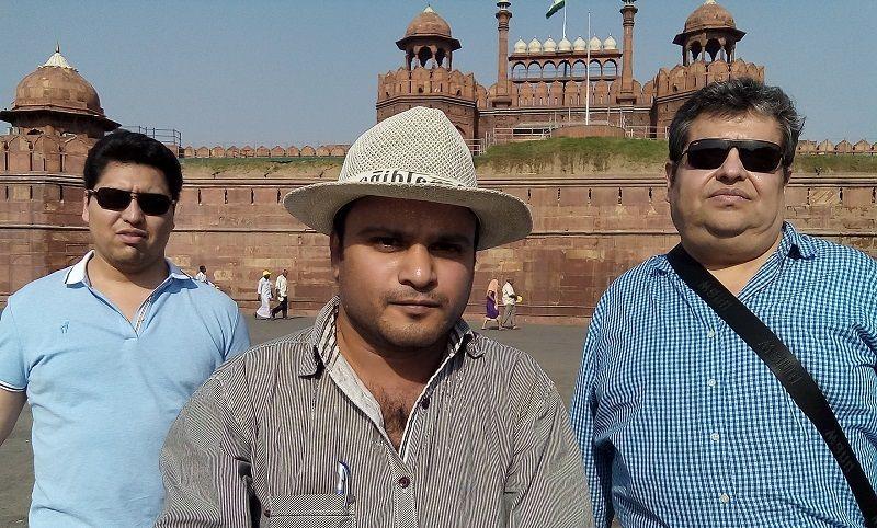Dos turistas de Mexico con Chandrahas