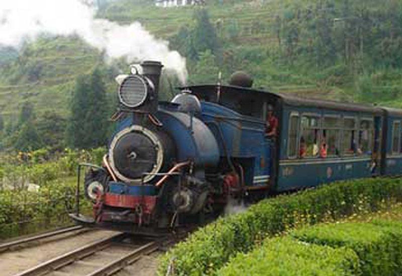 Jugate tren darjeeling